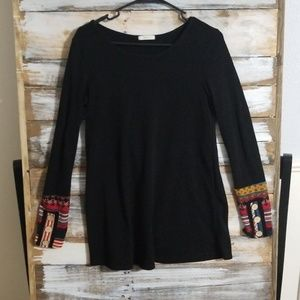 Black shirt with sleeve detail